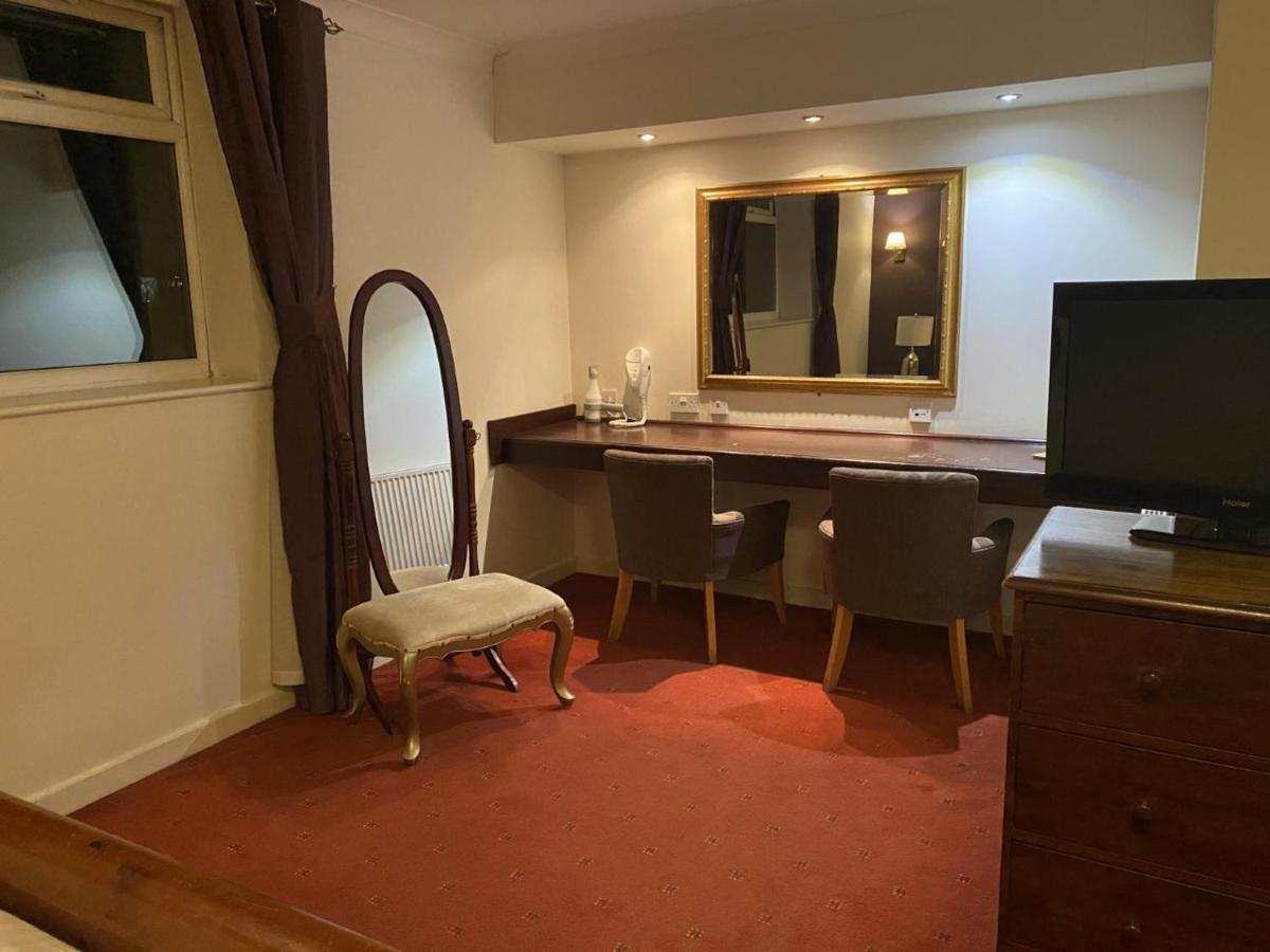 The Greyhound at Sporting Lodge Hotel, Leigh - Laterooms