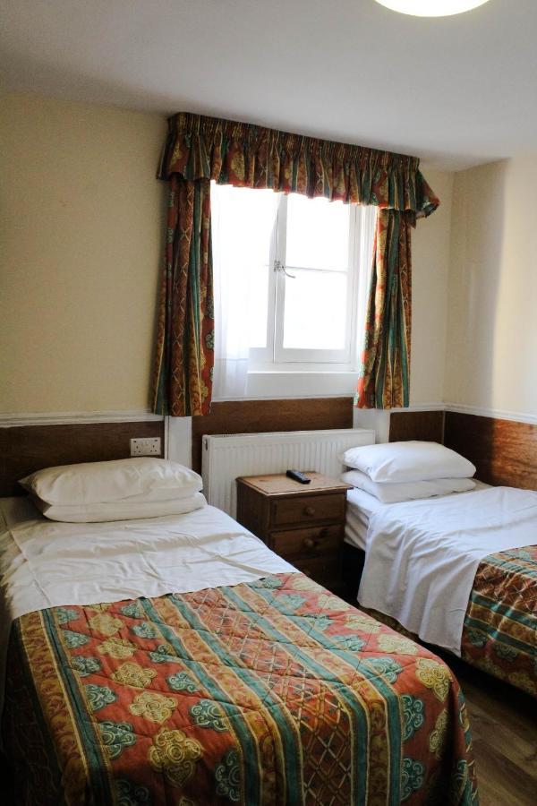 Ventures Hotel - Laterooms