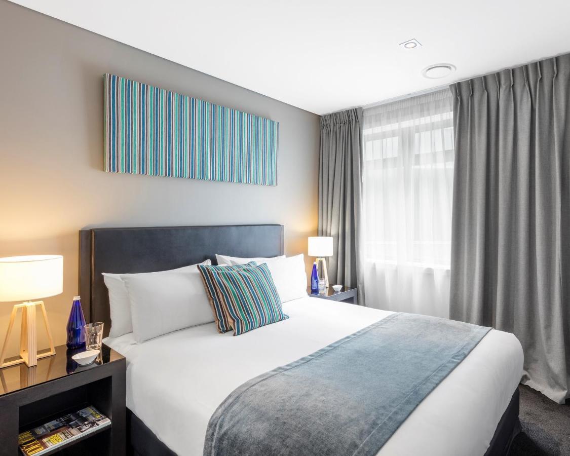 Waldorf Stadium Apartment Hotel - Laterooms