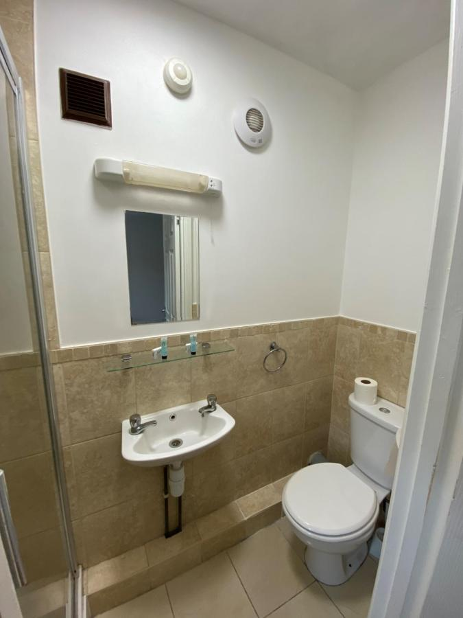 Contractors Guest House - Laterooms