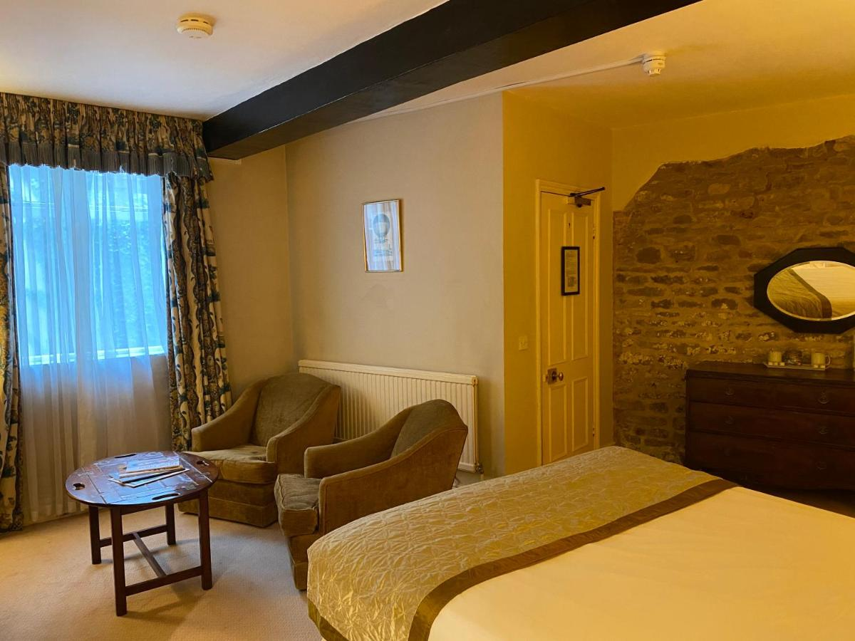 Brook Whipper-In Hotel - Laterooms