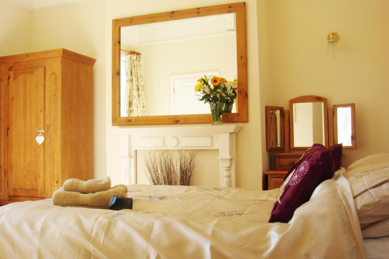 Harlequin Guest House - Laterooms