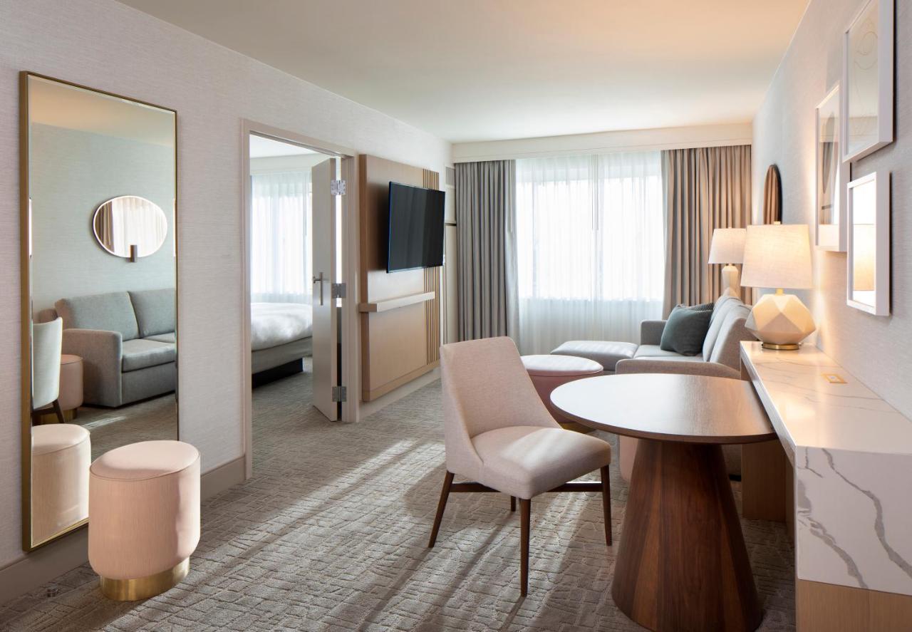 DoubleTree Suites by Hilton Hotel Santa Monica - Laterooms