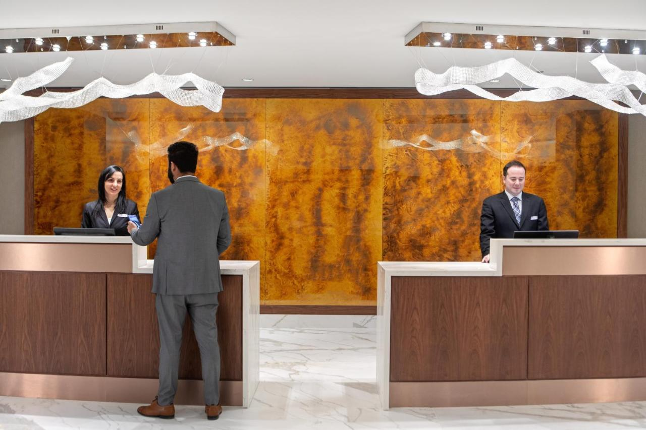 Crowne Plaza TORONTO AIRPORT - Laterooms