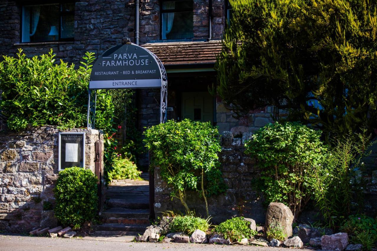 Parva Farmhouse Riverside Guesthouse & Restaurant - Laterooms