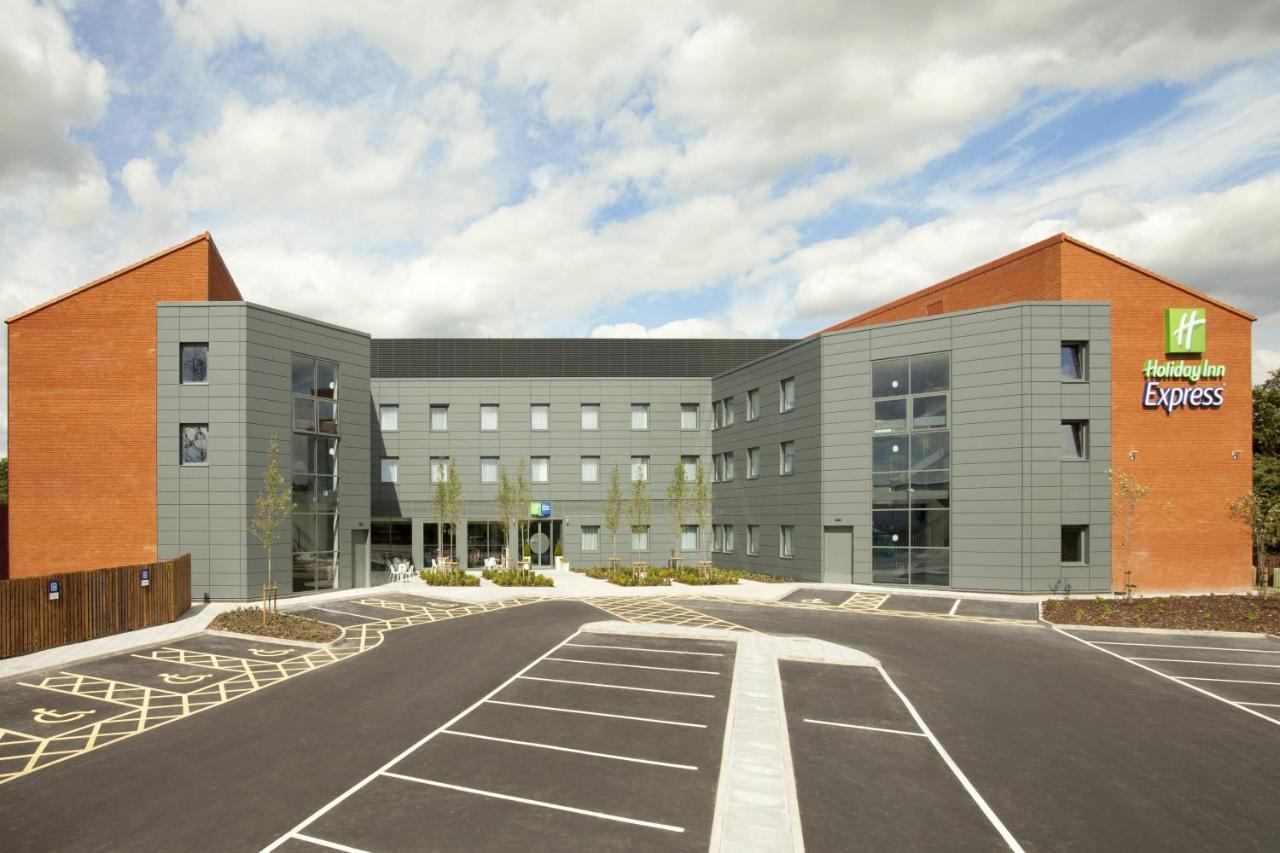 Holiday Inn Express ST. ALBANS - M25, JCT.22 - Laterooms