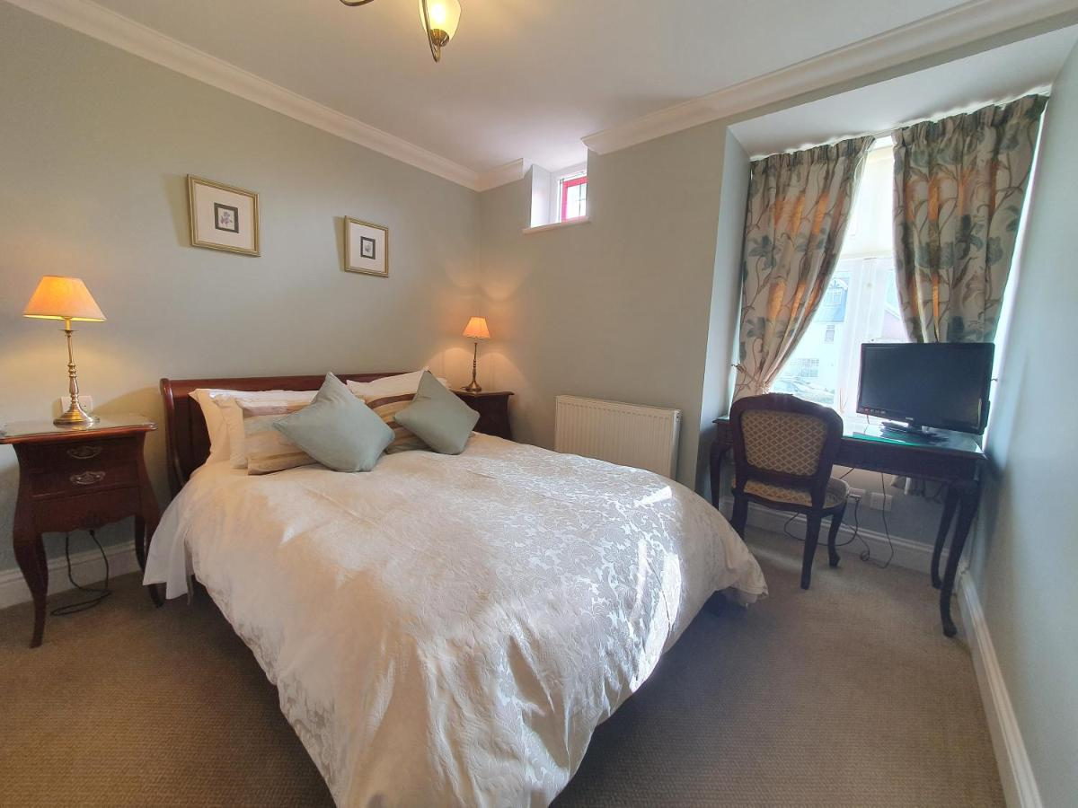 Ditton Lodge - Laterooms