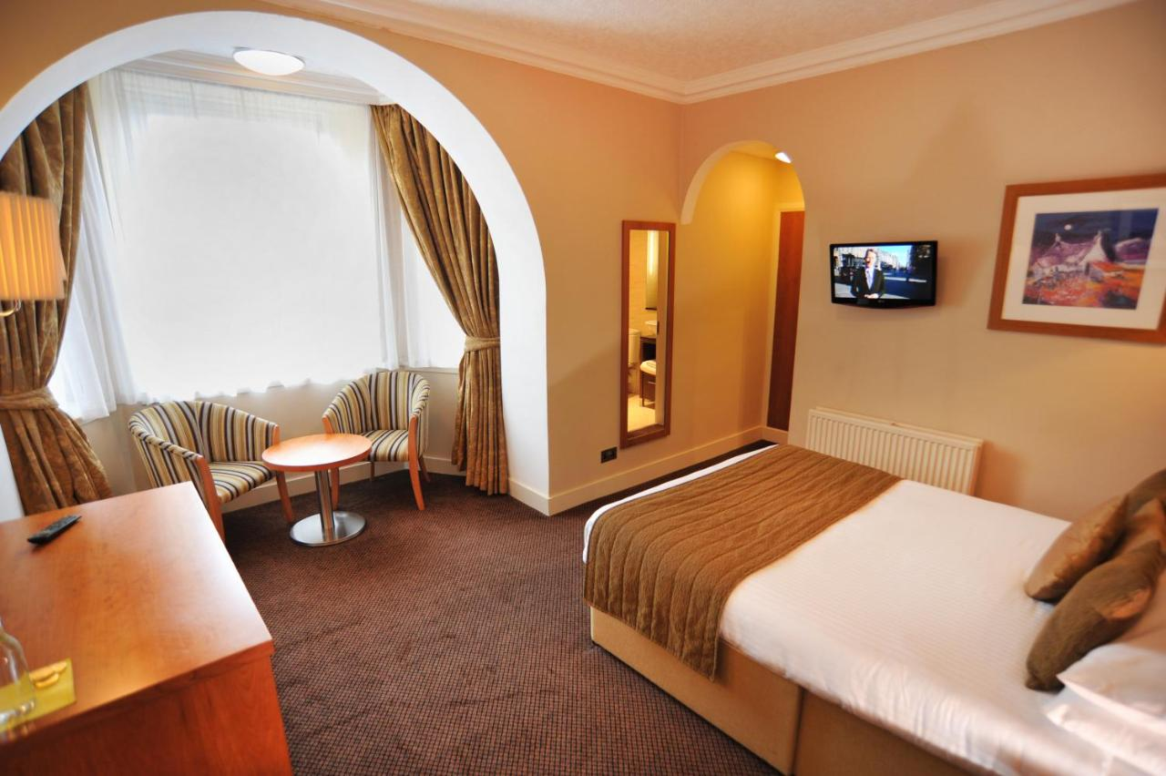 Golden Lion Hotel - Laterooms