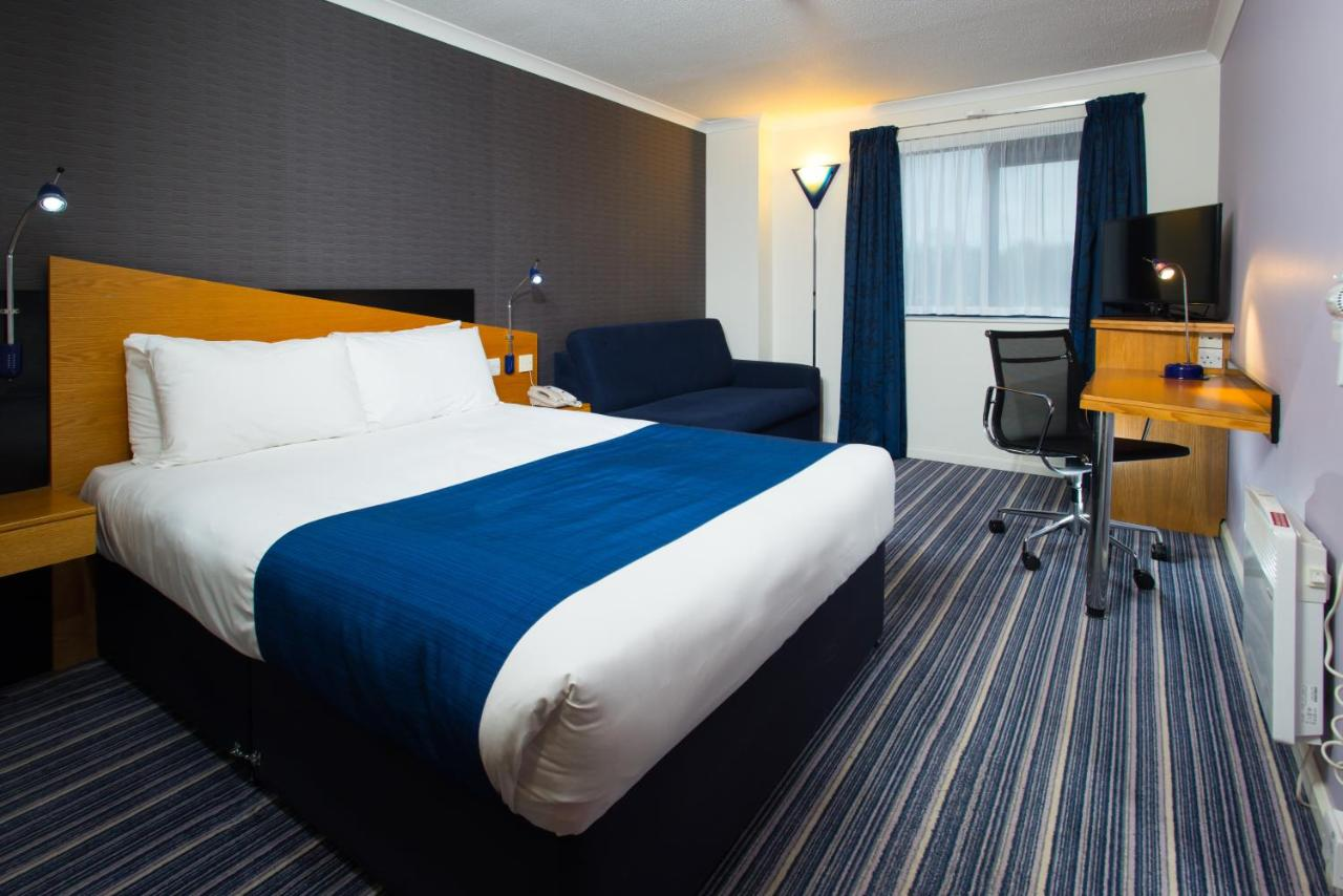 Holiday Inn Express INVERNESS - Laterooms