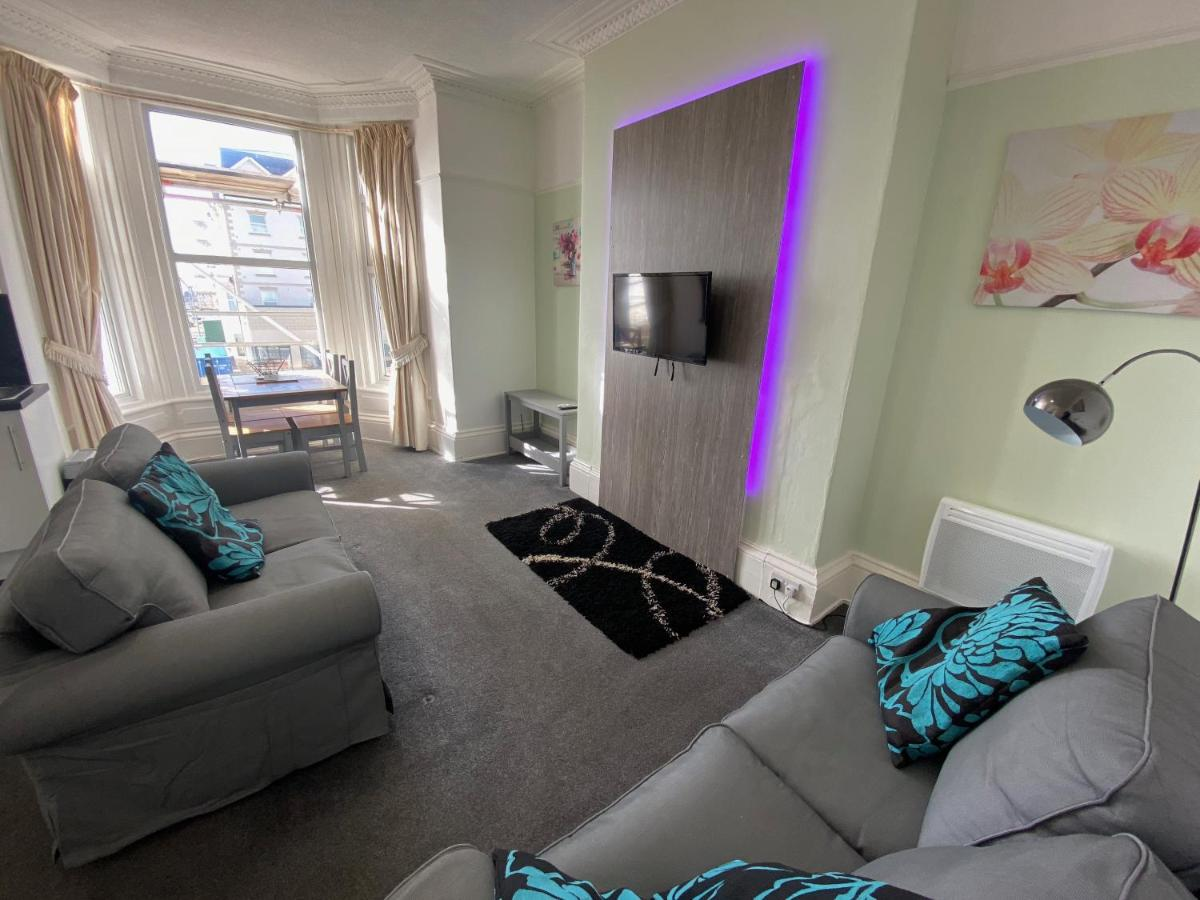 Beaconsfield House Holiday Apartments - Laterooms