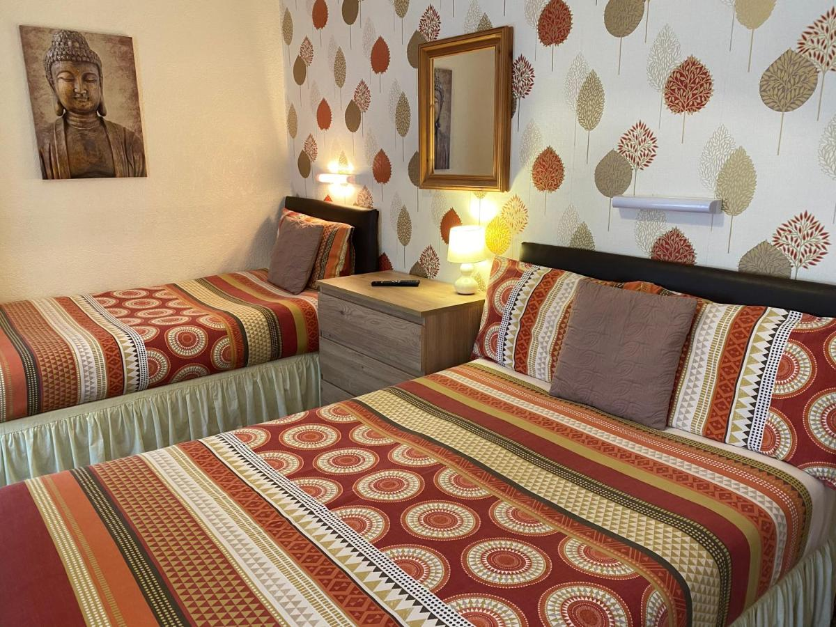 Clifton Private Hotel - Laterooms