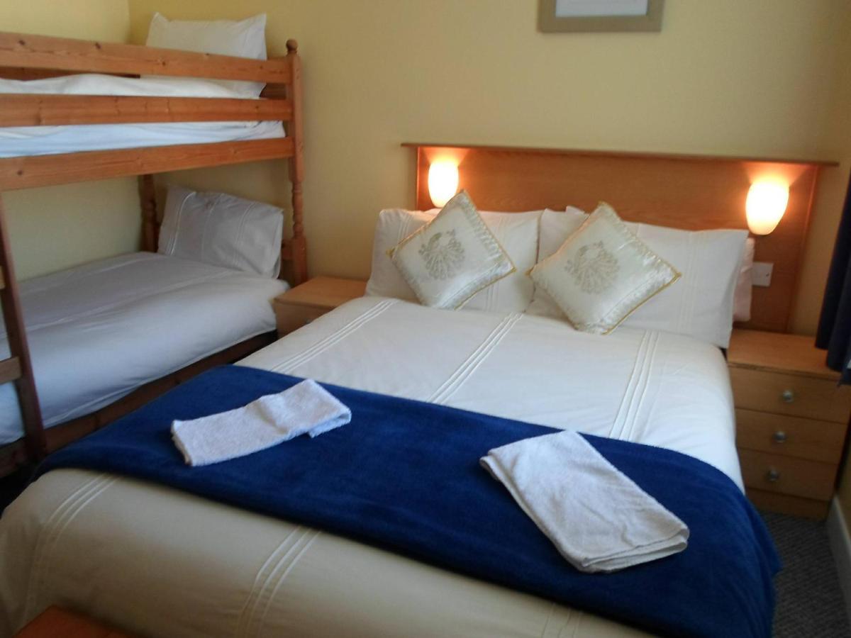 The Villa Hotel - Laterooms