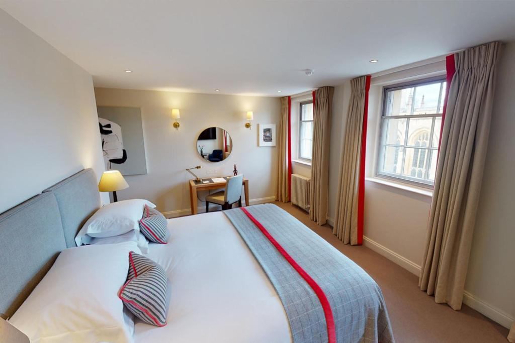 The Old Bank Hotel - Laterooms