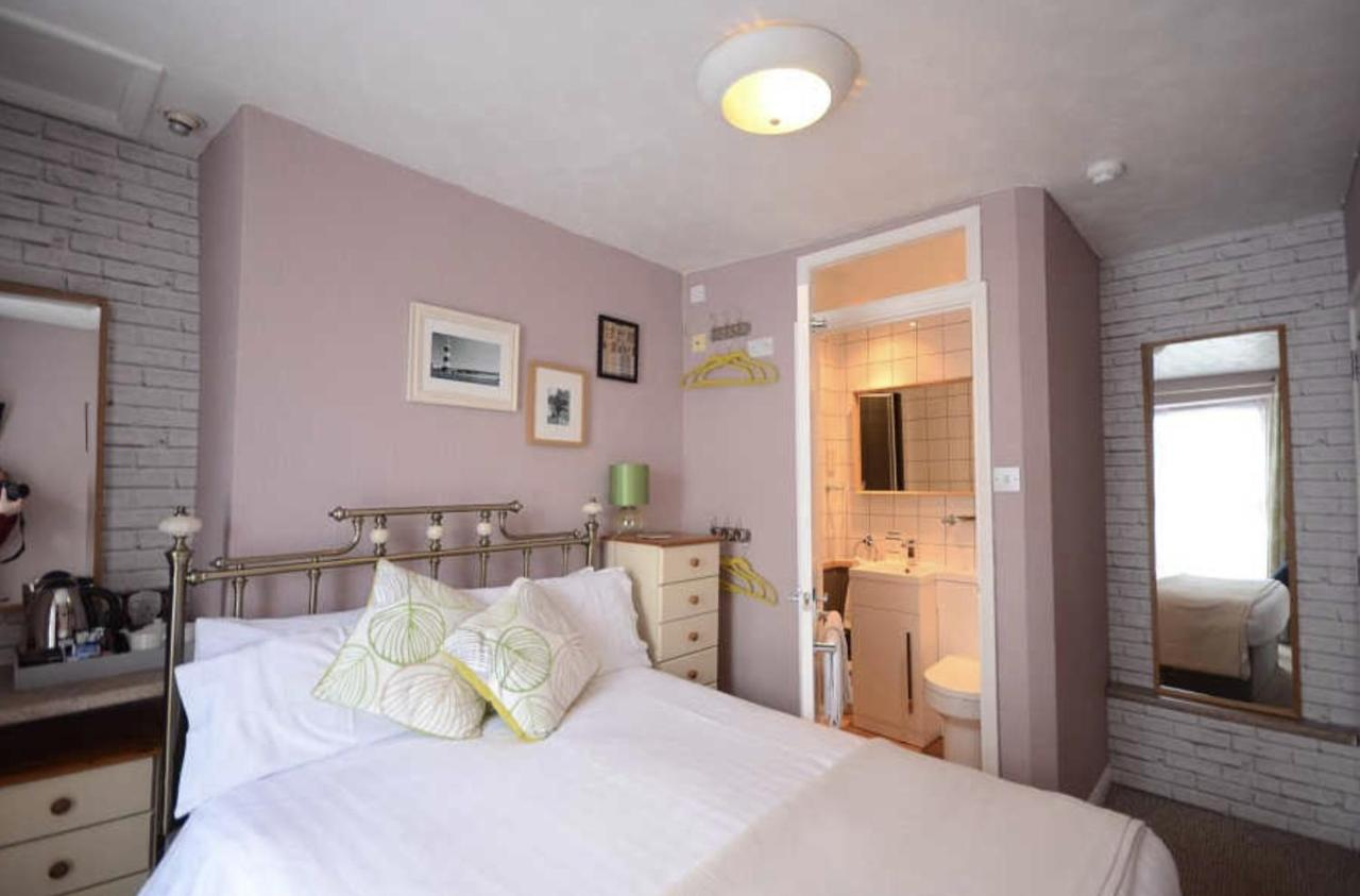 The Phantele Bed & Breakfast - Laterooms