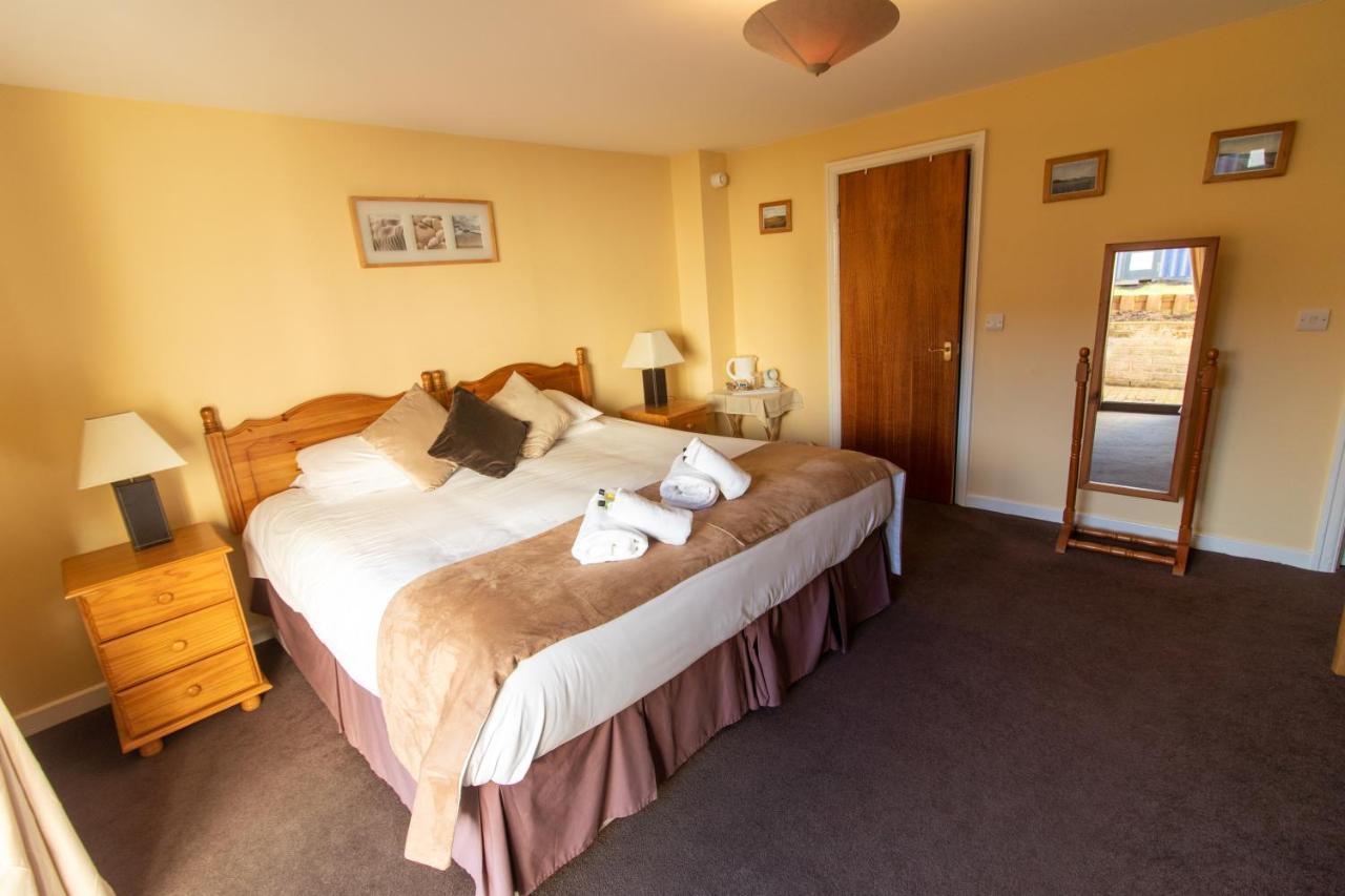 The Auld Cross Keys Inn - Laterooms