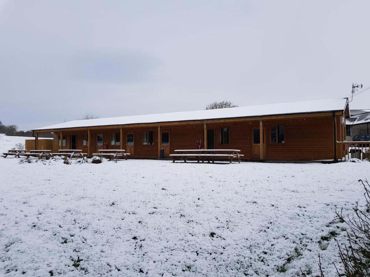 Cowbridge Cabins - Laterooms