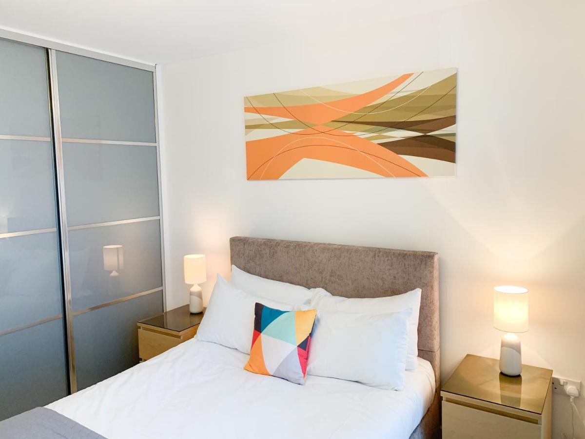 Shortletting Serviced Apartments Milton Keynes - The Hub - Laterooms