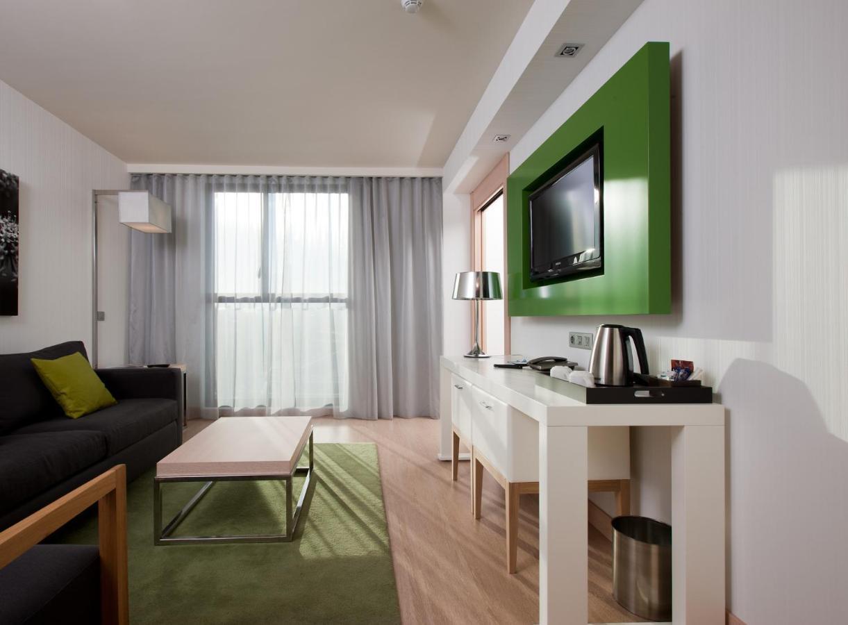 DoubleTree by Hilton Hotel Girona - Laterooms