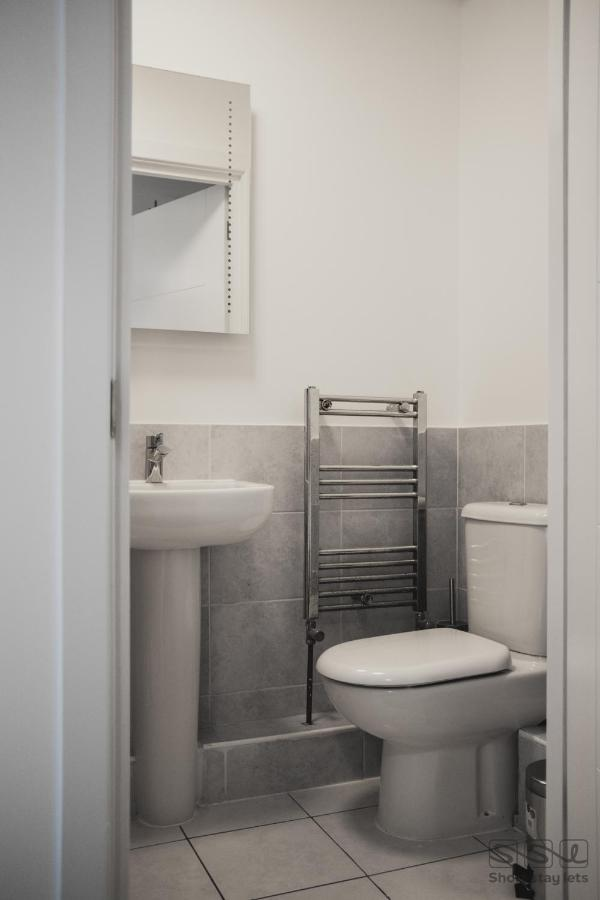 MANOR APARTMENTS - Laterooms