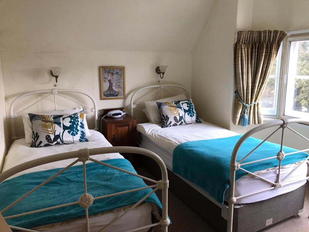 West Lodge Hotel - Laterooms