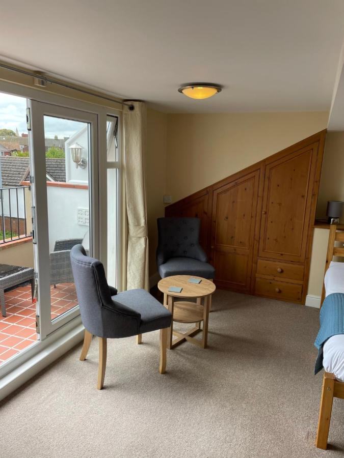 The Courtyard Guest House - Laterooms