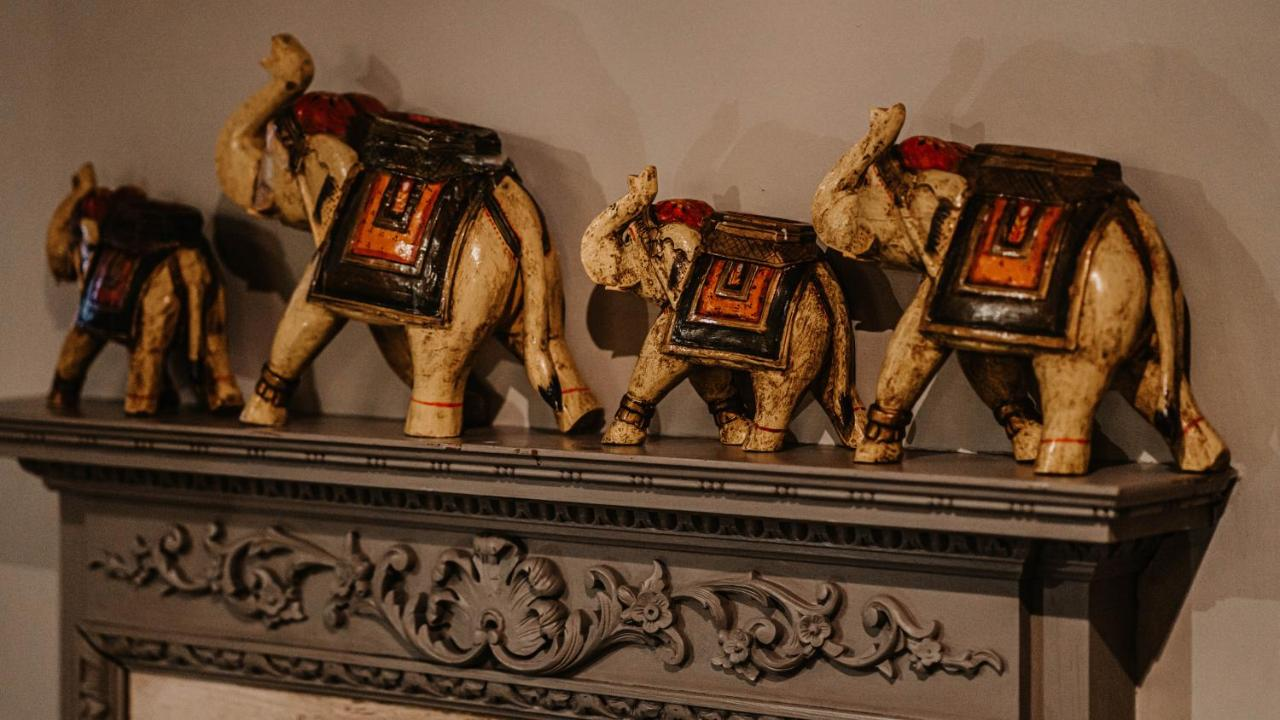 Elephant Hotel - Laterooms