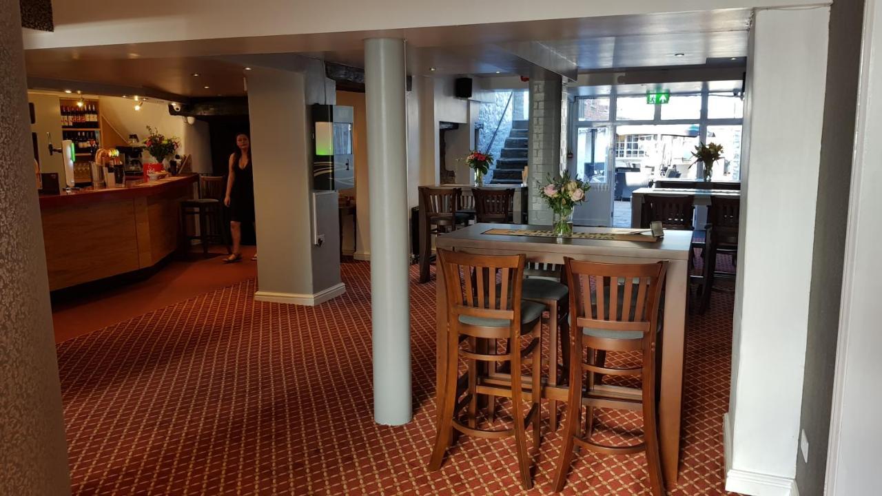 The Portcullis Hotel - Laterooms