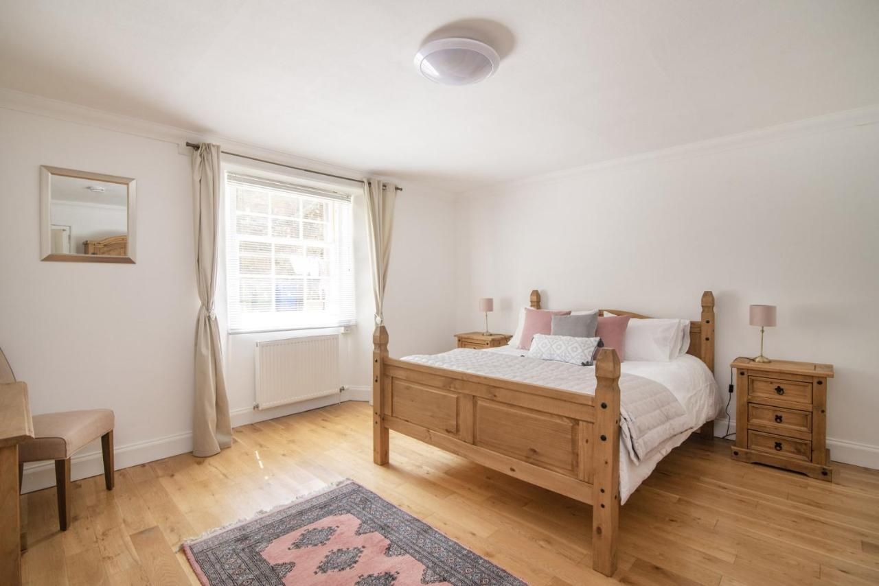 Victoria Square Guest House - Laterooms