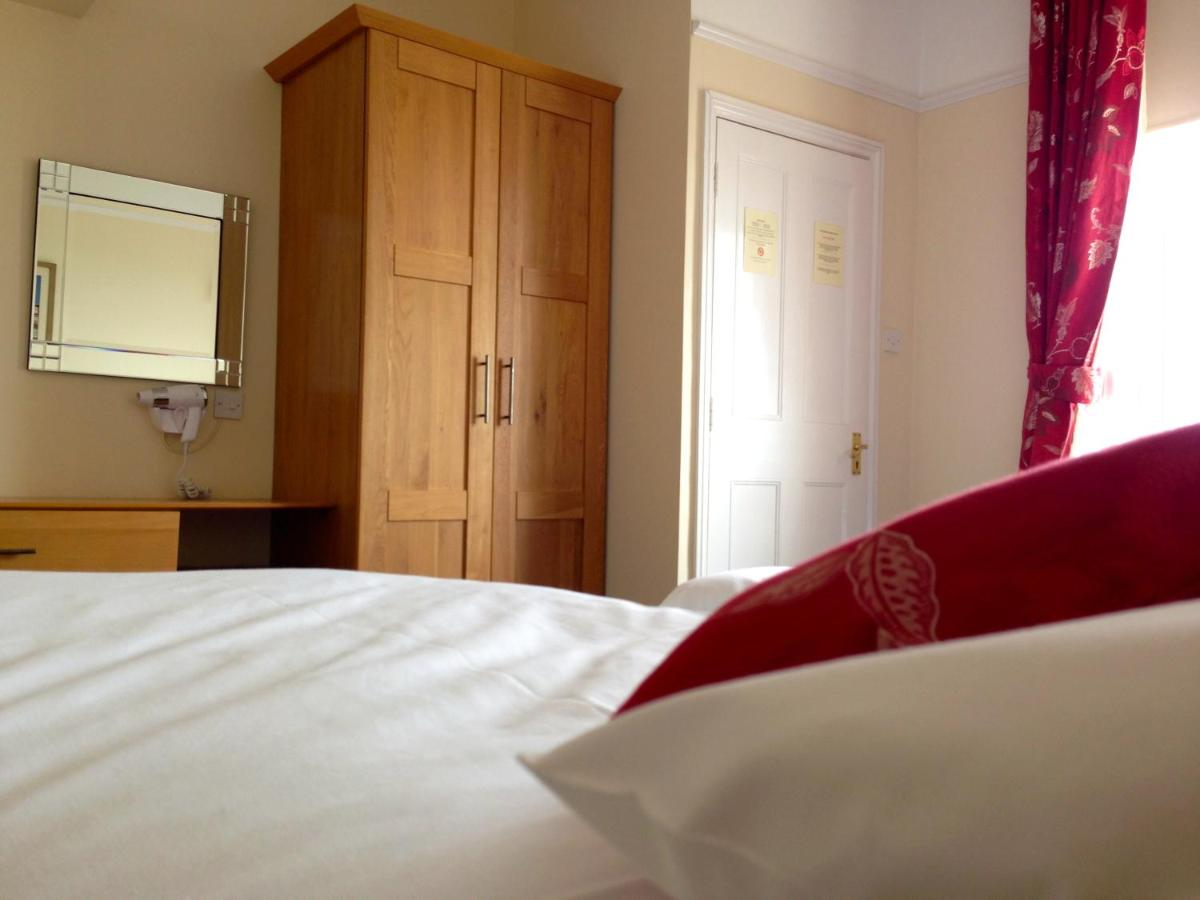Kings Head and Channel View Guest House - Laterooms