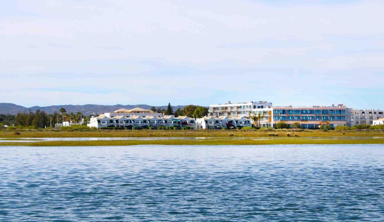 Cabanas Park Resort - Laterooms