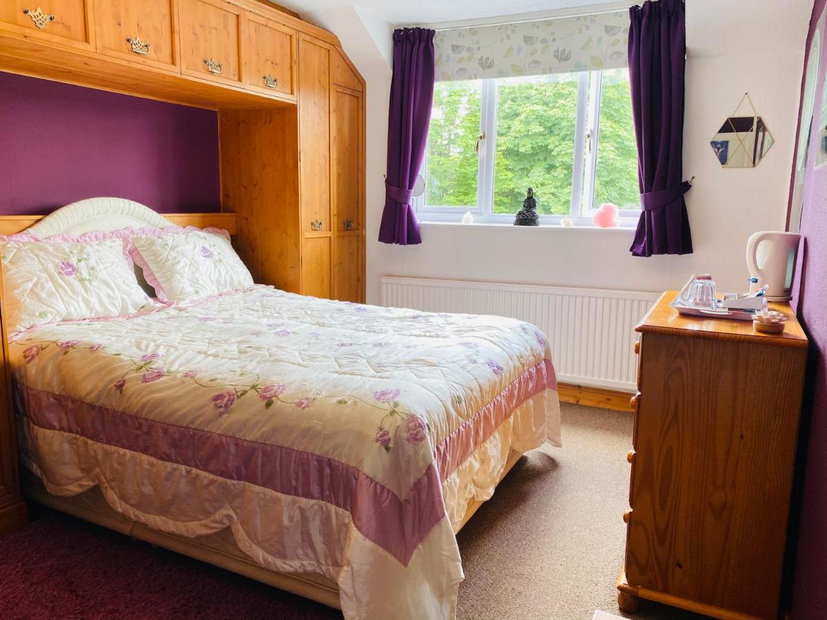 Camelot Retreat - Laterooms