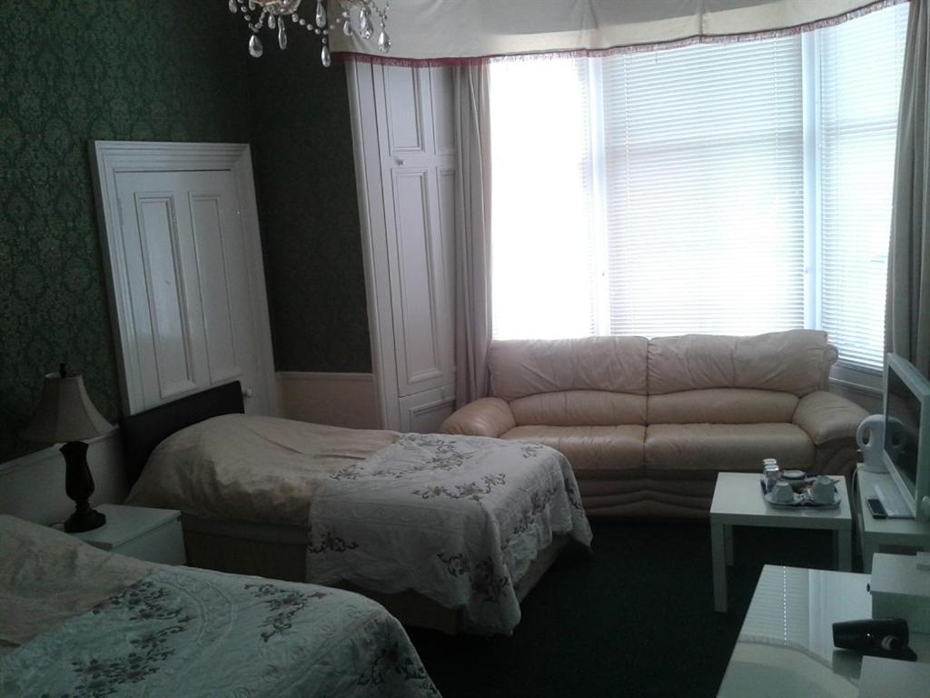 Capital Guest House - Laterooms
