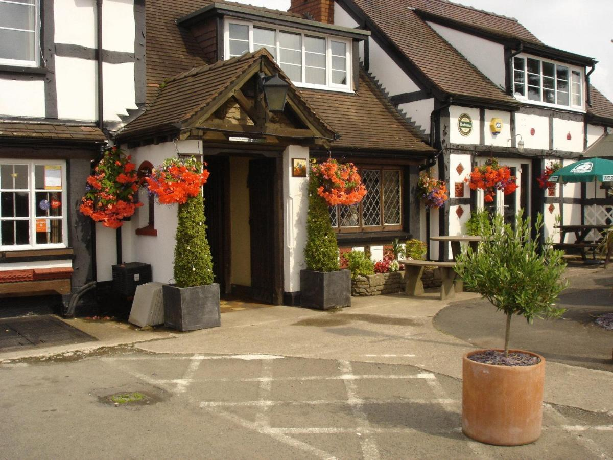 Rose & Crown - Laterooms