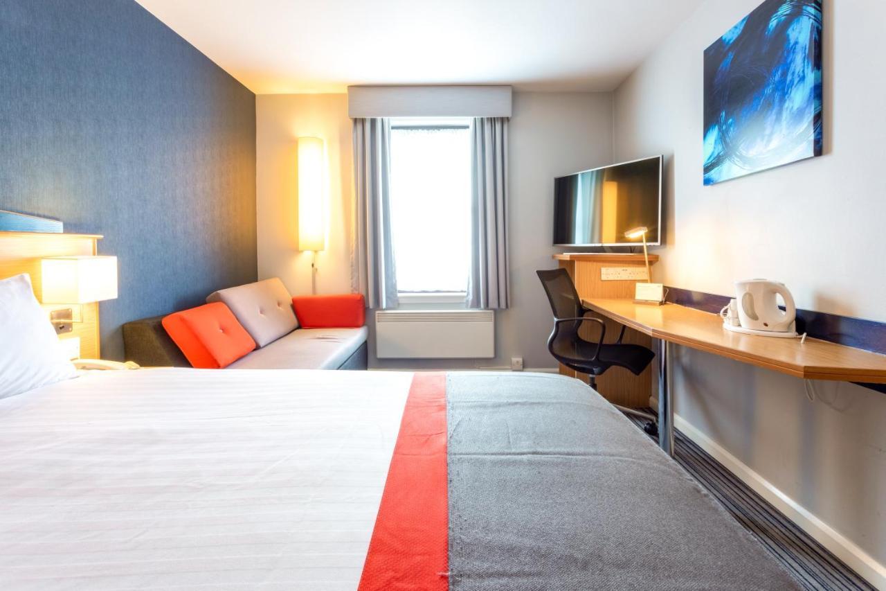 Holiday Inn Express PERTH - Laterooms