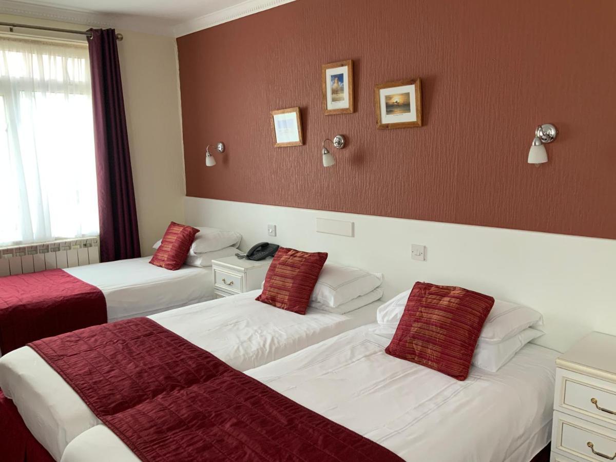 Marina Metro Hotel - Laterooms