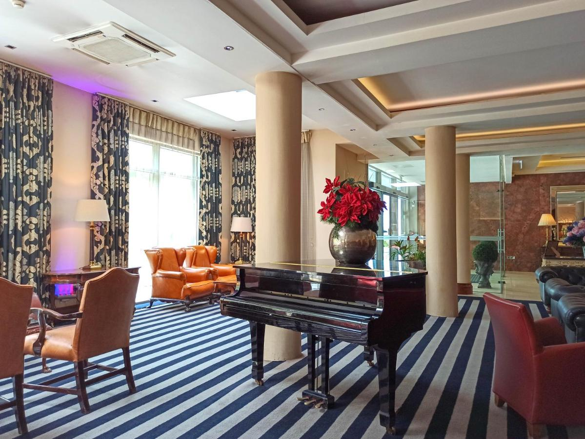 Salthill Hotel - Laterooms