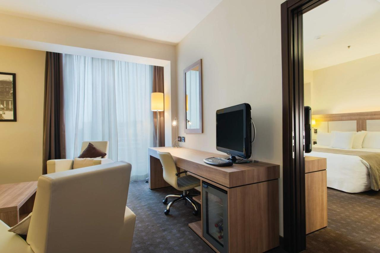 DoubleTree by Hilton Hotel Milan - Laterooms