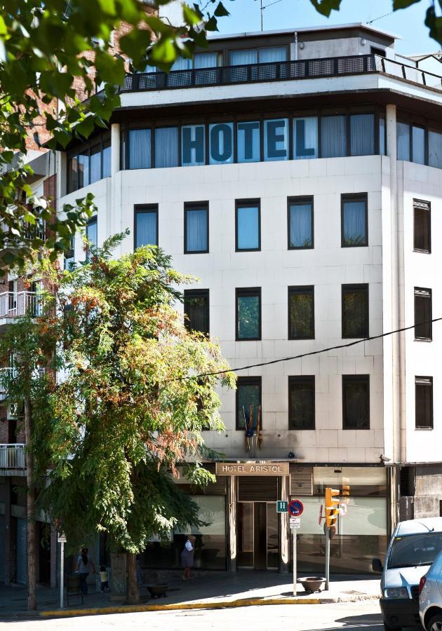 HOTEL MEDIUM ARISTOL - Laterooms