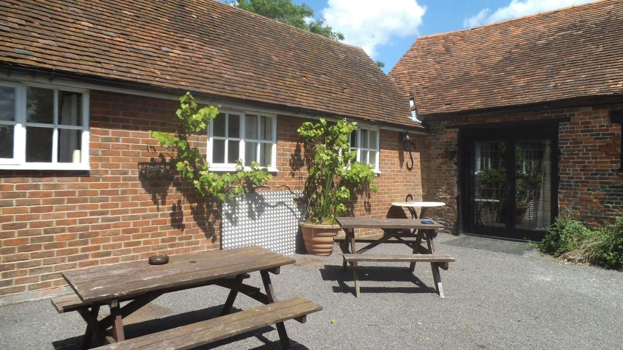 Englands Rose Pub - Laterooms