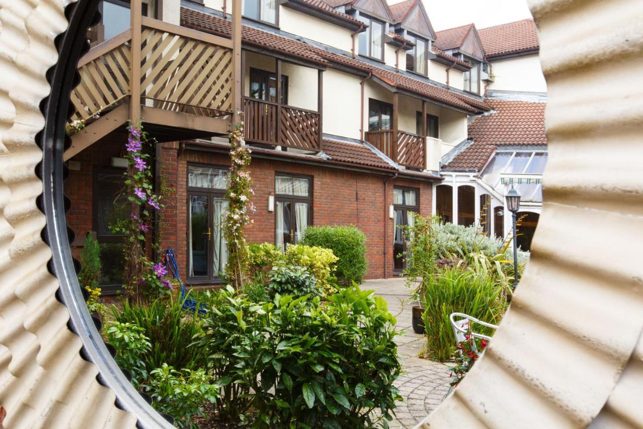 Brook Kingston Lodge Hotel - London - Laterooms