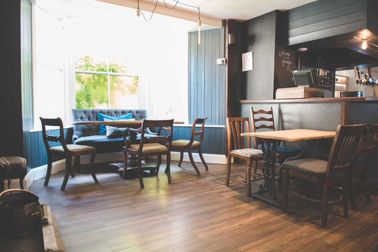 The George Quality Accommodation, Restuarant & Bar - Laterooms