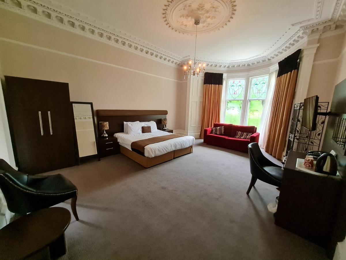Number 10 Hotel - Laterooms