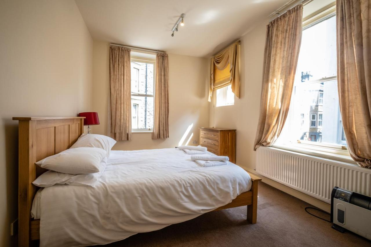The Crown Hotel - Laterooms