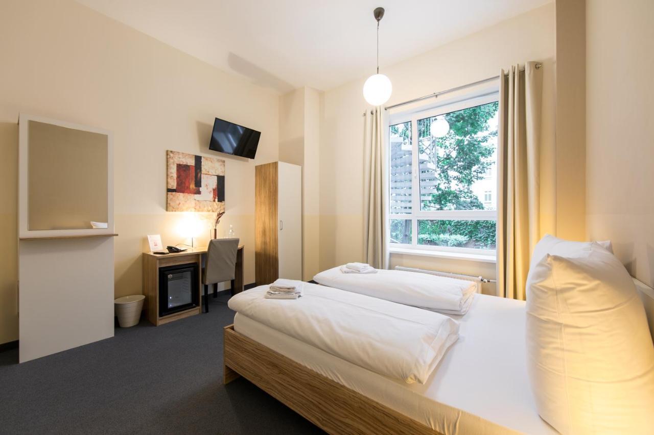 nu hotel berlin - Laterooms