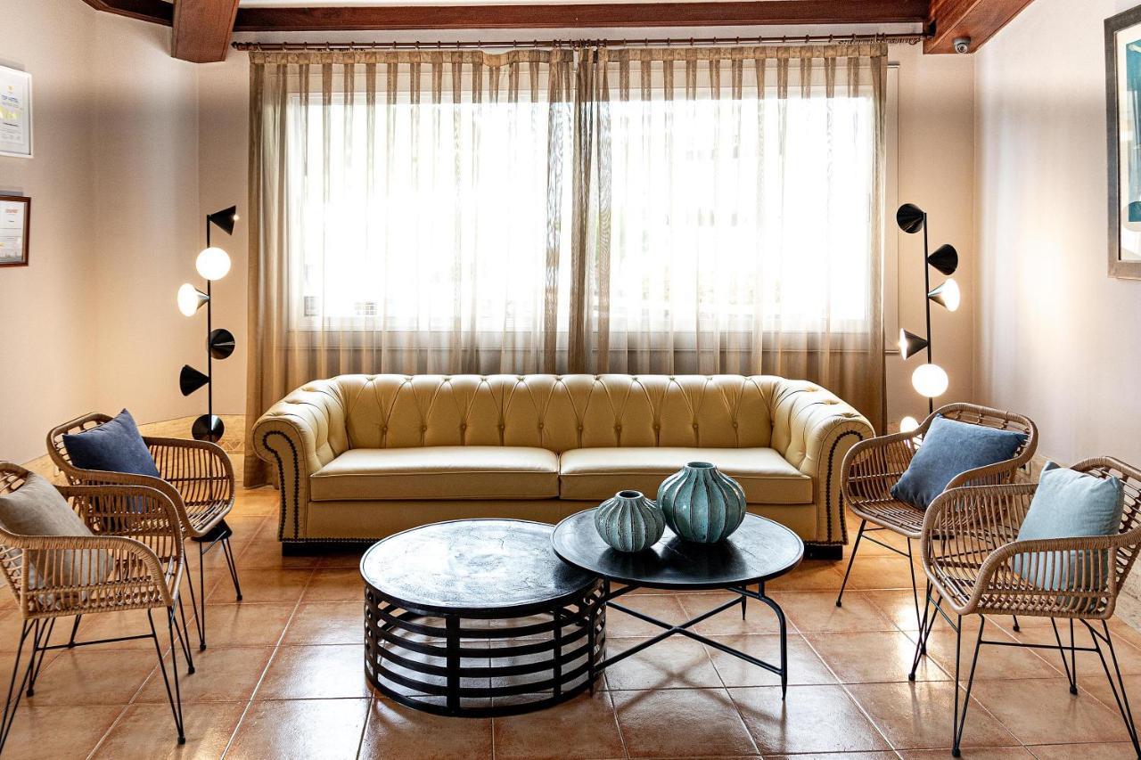 Apartamentos Fariones - Laterooms