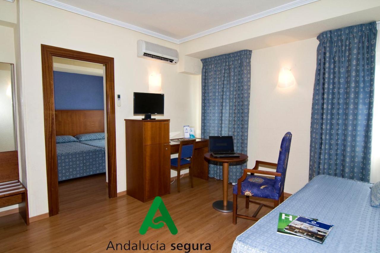 Hotel Nuevo Torreluz - Laterooms