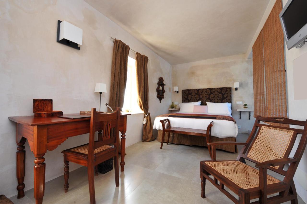 Hotel V... - Laterooms