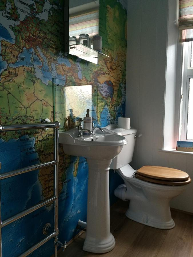 Lyonesse Guest House - Laterooms