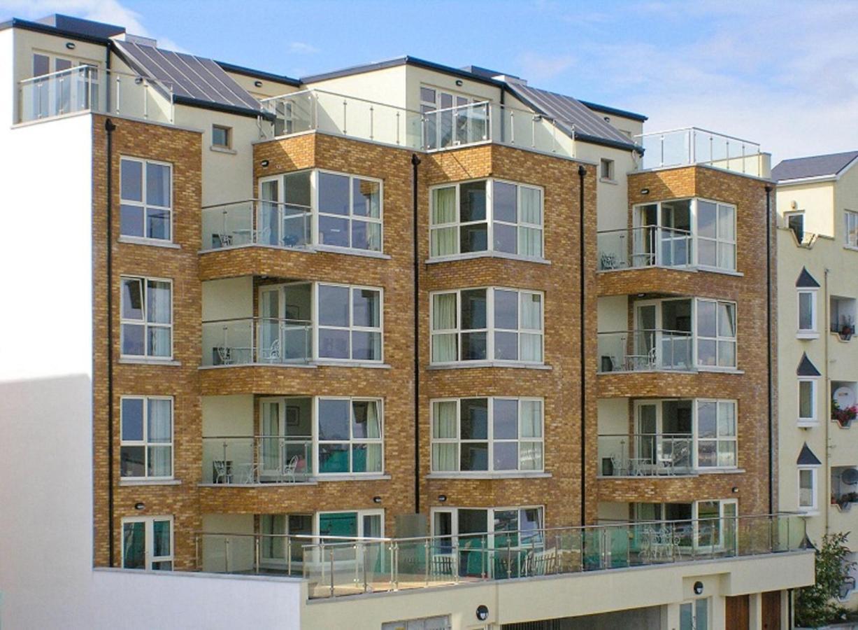 Jameson Court Apartments - Laterooms