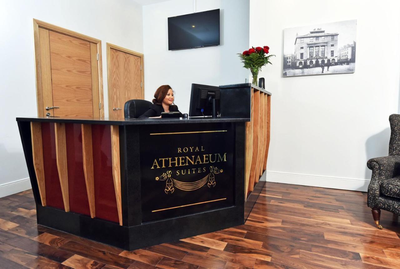 Royal Athenaeum Suites - Laterooms